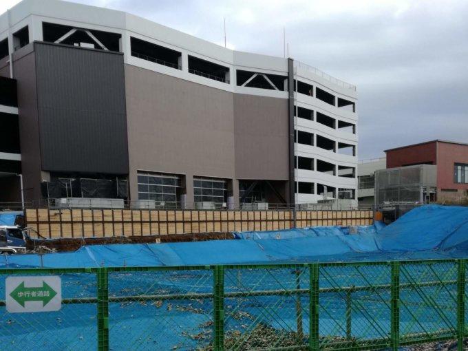 南町田グランベリーパークシネマ棟から新店舗を望む12月13日