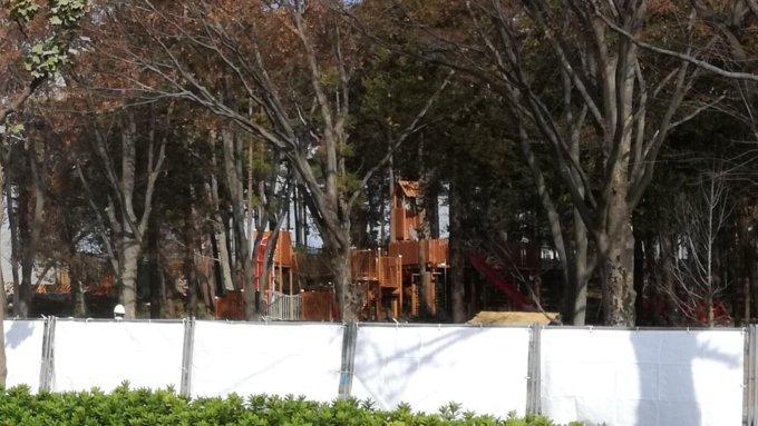 鶴間公園の遊具