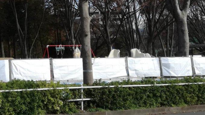 鶴間公園の幼児広場に設置された遊具