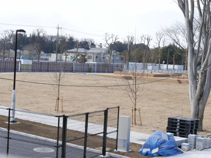 鶴間公園の「賑わい広場」