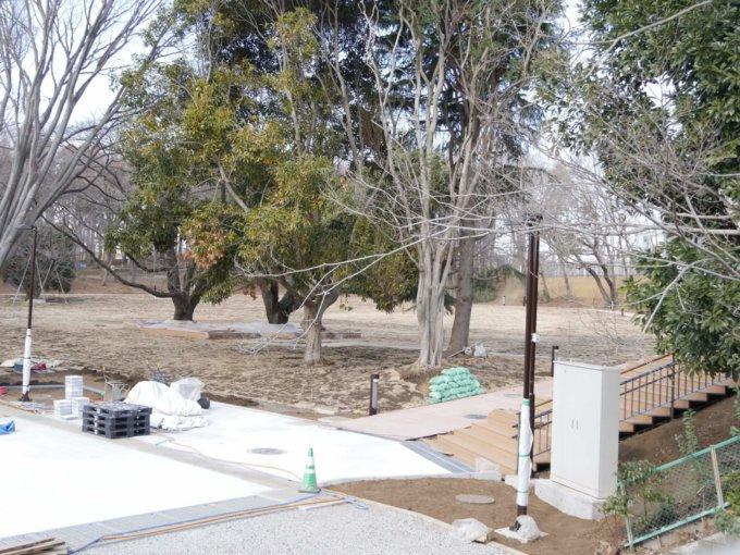 鶴間公園の「さわやか広場」