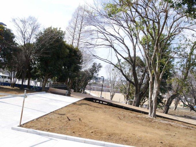 鶴間公園のさわやか広場付近