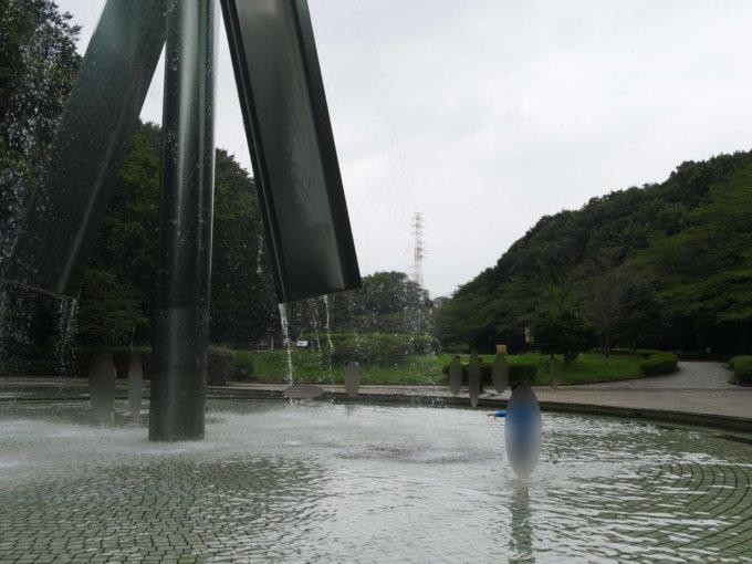 芹ヶ谷公園「虹と水の広場」で水遊び