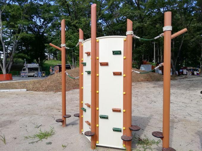 鶴間公園の幼児広場にある遊具