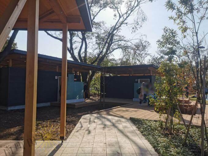 鶴間公園のトイレ